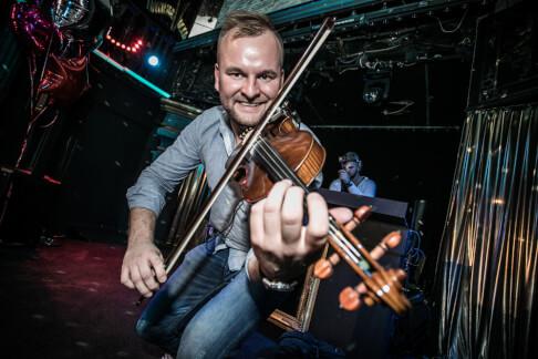 """Urodziny """"Radio Zet"""" z DJem + violin show - Capitol Club - Warszawa 43"""