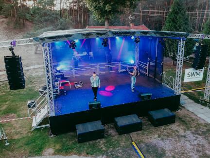 Koncert zespołu disco polo Masters na scenie mobilnej 220